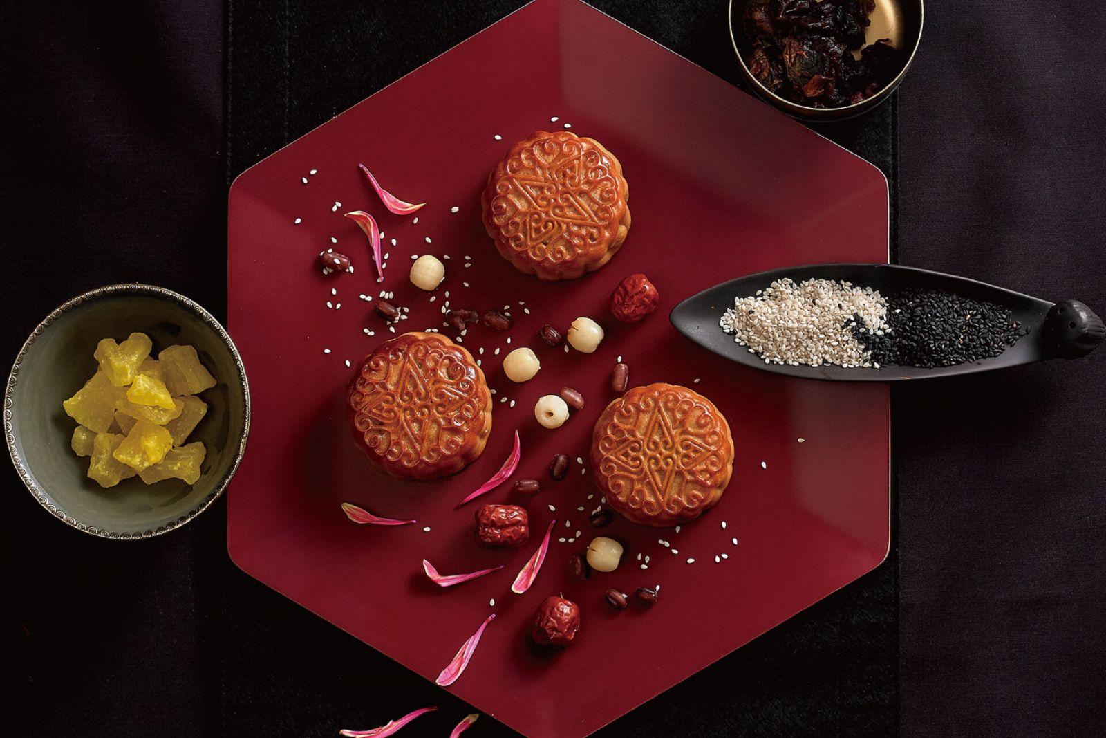 【中秋月餅】「華雲映月」禮盒高掛玫瑰金明月 國賓傳統馬口鐵巧思勝