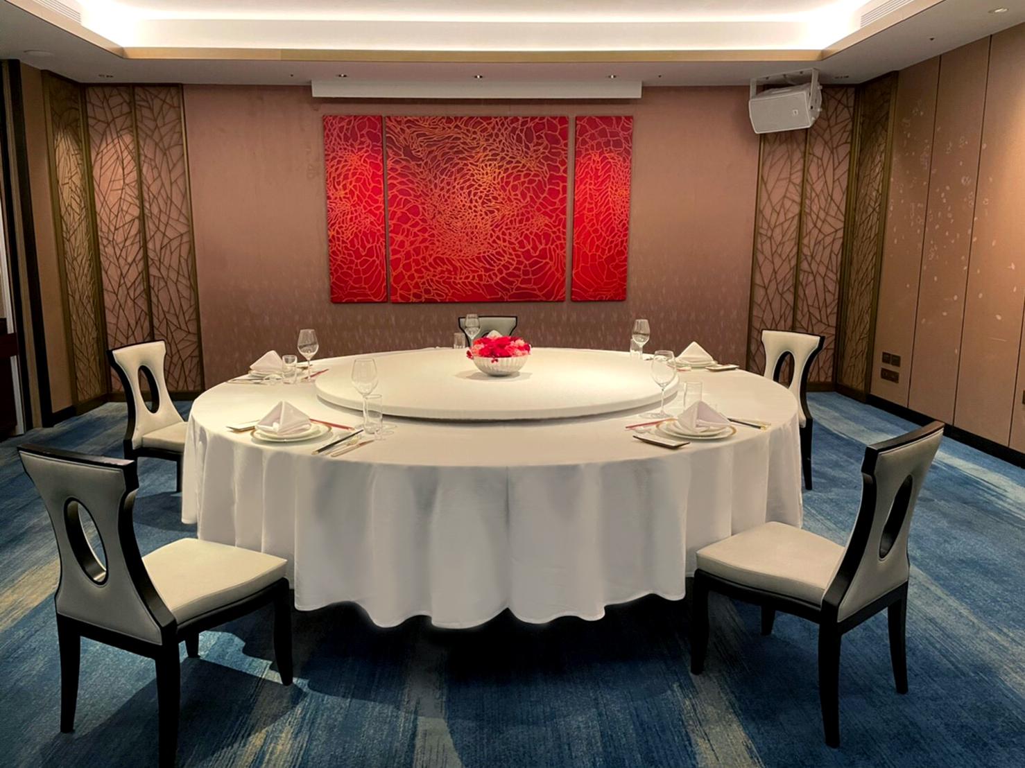 【台北國賓大飯店】以最高規格嚴格把關,為顧客準備最安心用餐的環境。