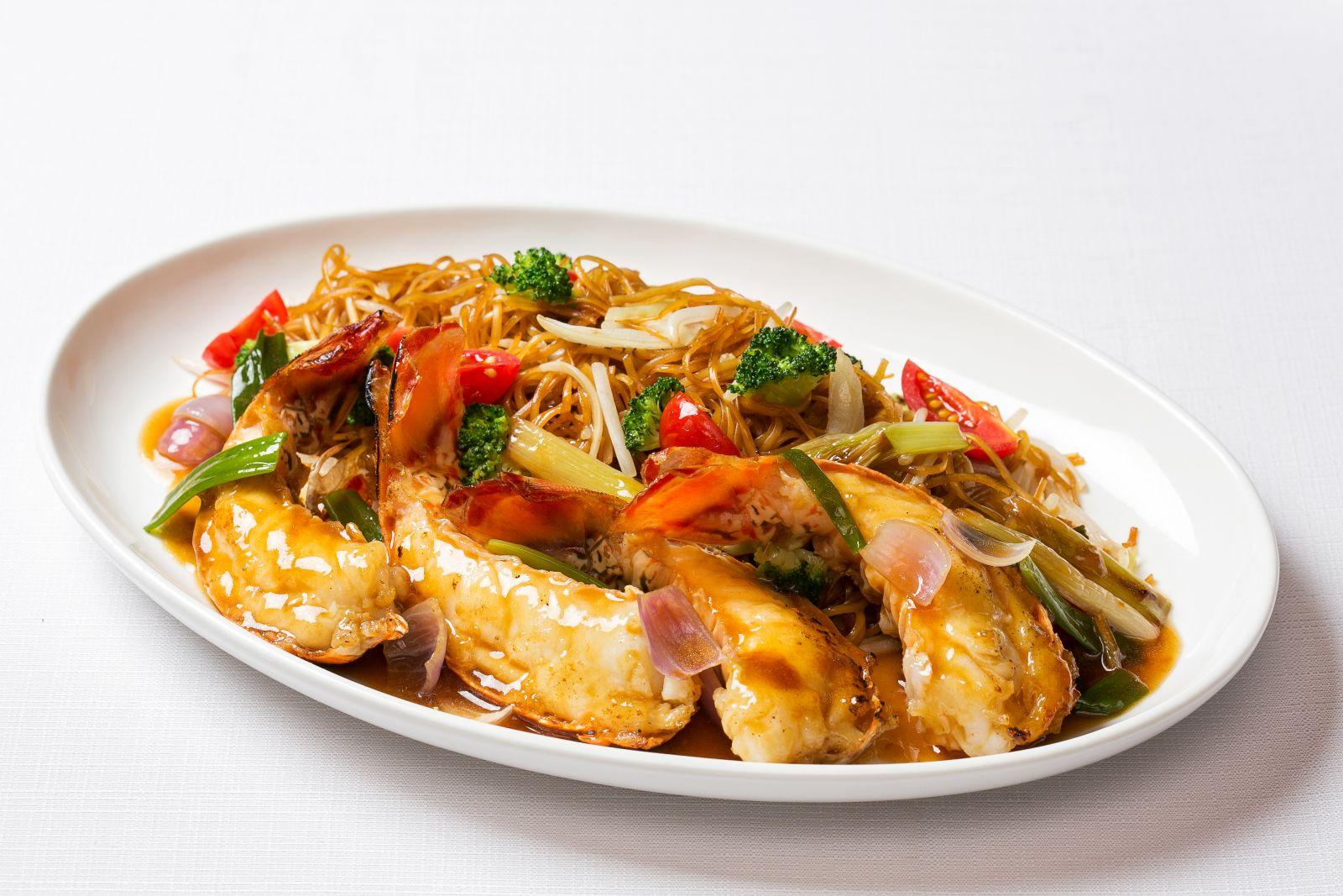 薑蔥龍蝦尾炆細麵