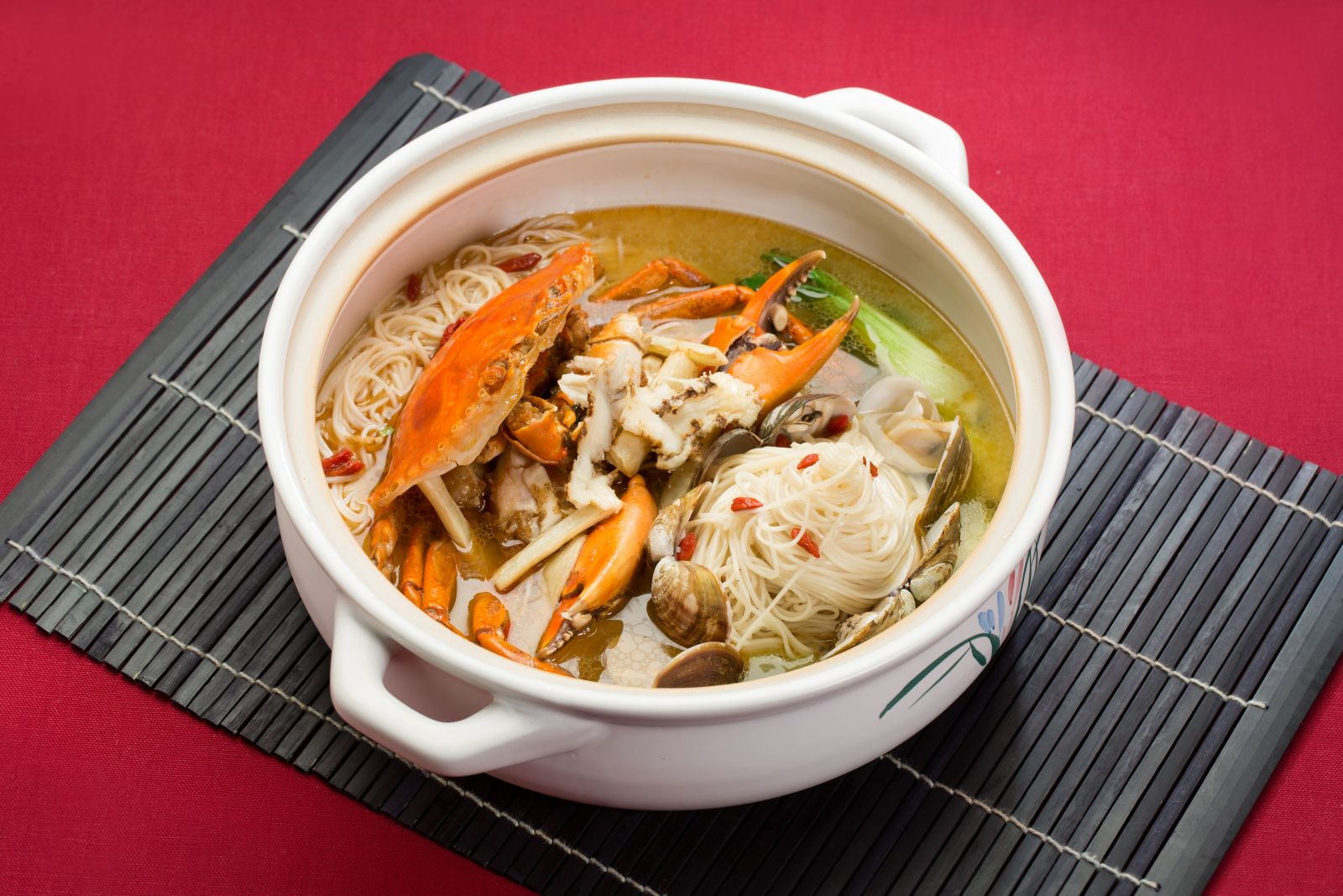 【國賓川菜廳】美味橫著走 台北國賓展開川菜大「蟹鬥」
