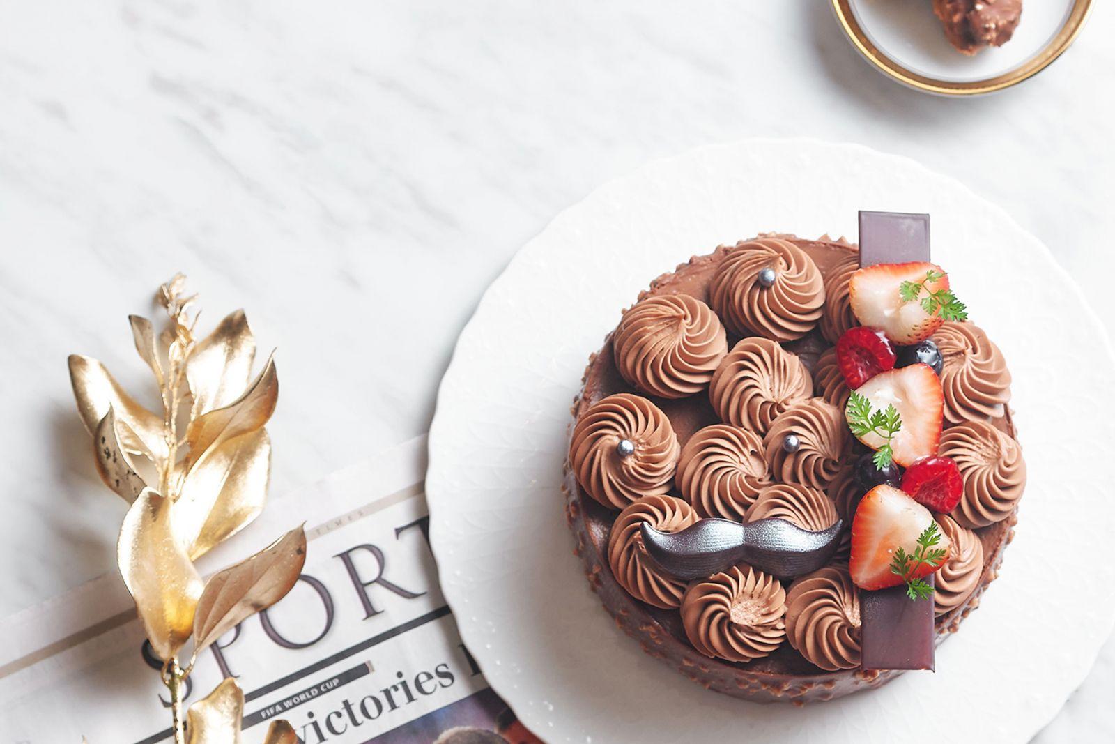 【父親節】最正父親節蛋糕! 國賓麵包房主廚精心研發「巧克力花園」