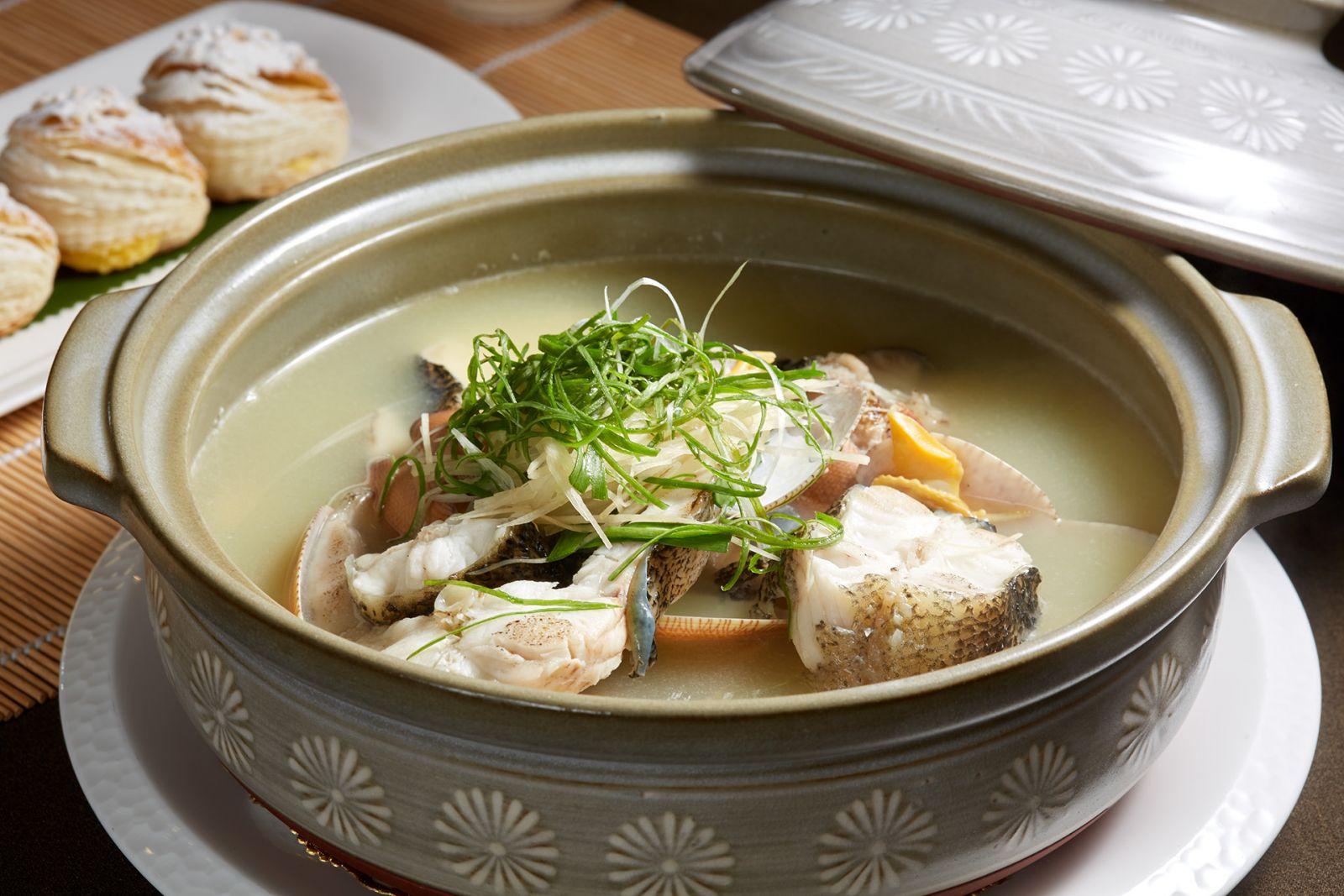 高雄國賓大飯店粵菜廳鱻蛤筍殼魚砂鍋