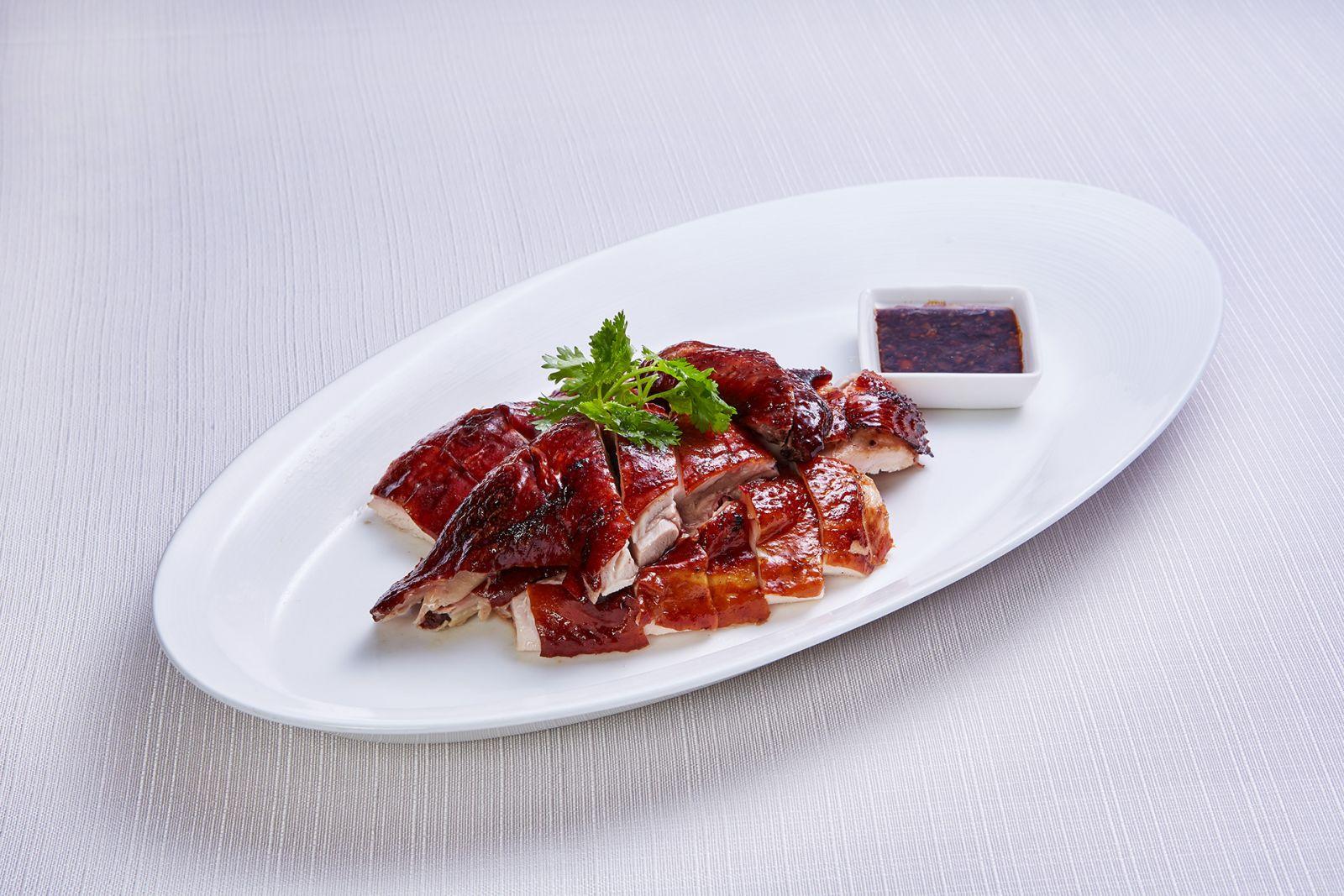 高雄國賓大飯店粵菜廳豉油皇燒雞蘿沙母