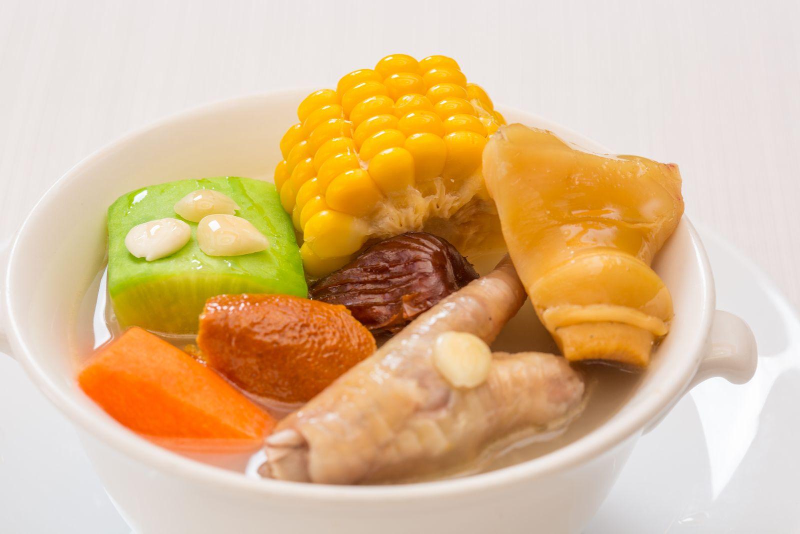 高雄國賓大飯店粵菜廳明火煲例湯