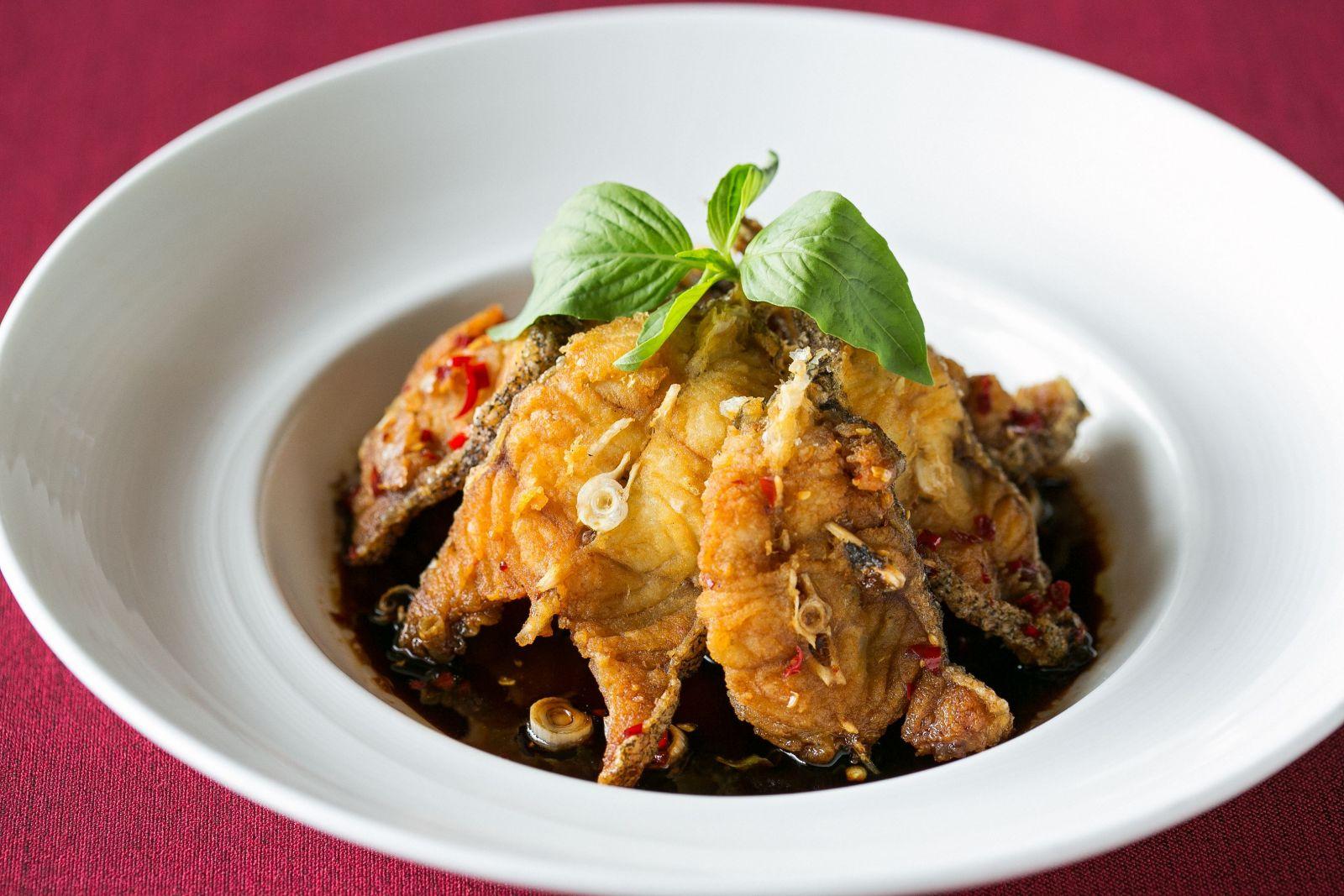 台北國賓大飯店川菜廳風味酥魚